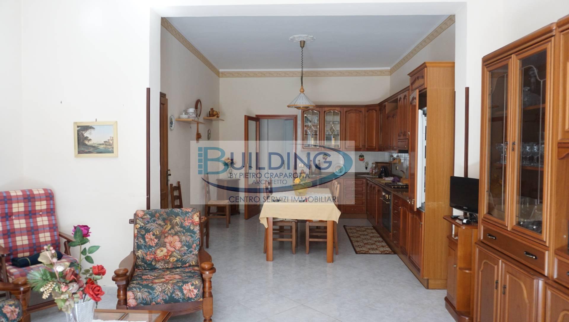 Appartamento in vendita a Castelvetrano, 8 locali, zona Località: CastelvetranoCitt?, prezzo € 83.000 | PortaleAgenzieImmobiliari.it