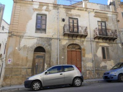 Palazzo/Stabile in Vendita a Castelvetrano