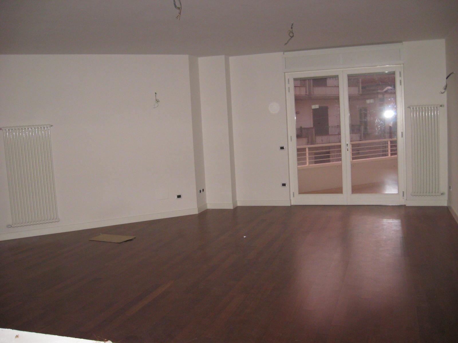 Appartamento in vendita a Giulianova, 4 locali, zona Località: Lido, prezzo € 290.000 | CambioCasa.it