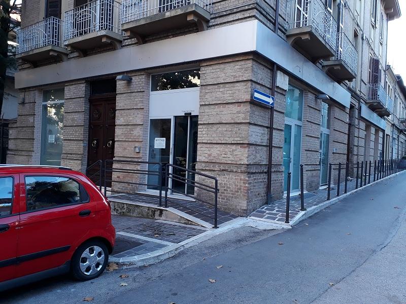 Altro in affitto a Teramo, 9999 locali, zona Zona: Centro , prezzo € 2.500 | CambioCasa.it