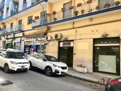 Locale commerciale in Affitto a Napoli