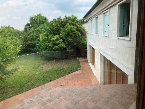 Villa in Vendita a Costabissara