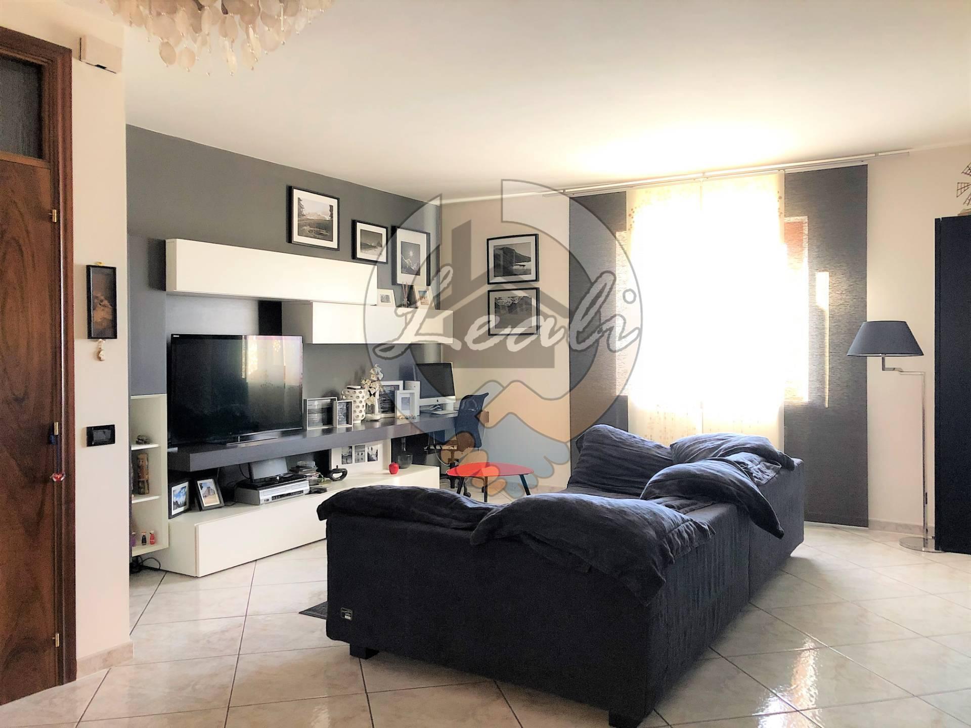 Appartamento in vendita a Pollenza, 4 locali, Trattative riservate | CambioCasa.it