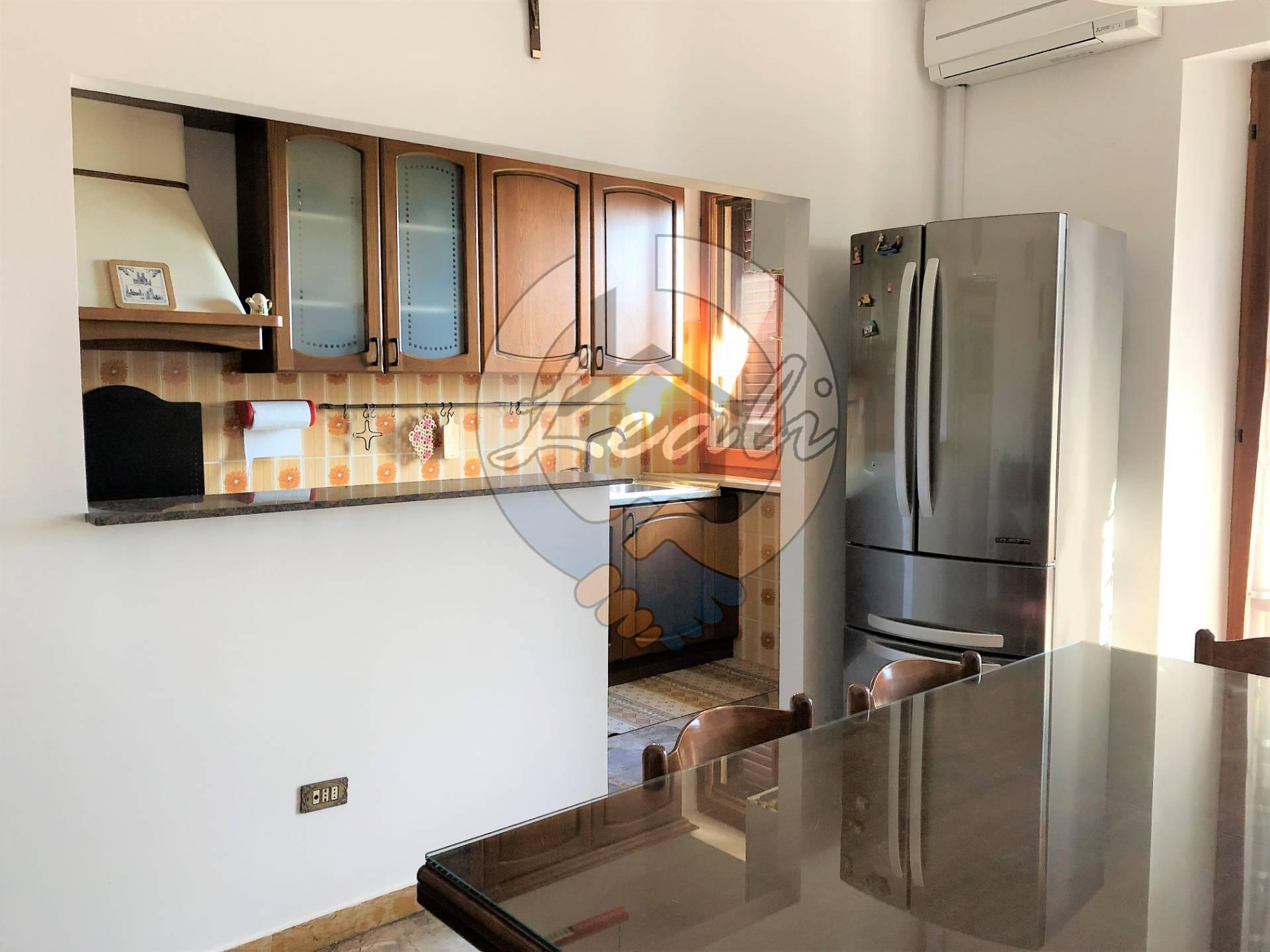 Appartamento in vendita a Pollenza, 5 locali, prezzo € 89.000 | CambioCasa.it