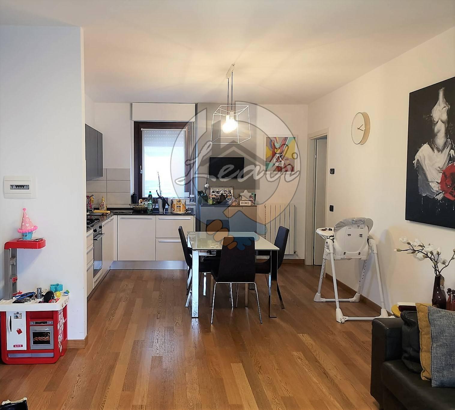 Appartamento in vendita a Tolentino, 3 locali, prezzo € 154.000 | CambioCasa.it