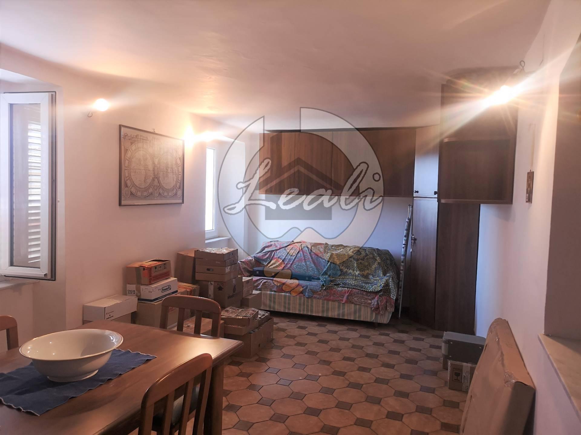 Appartamento in vendita a Falerone, 3 locali, prezzo € 19.500 | CambioCasa.it