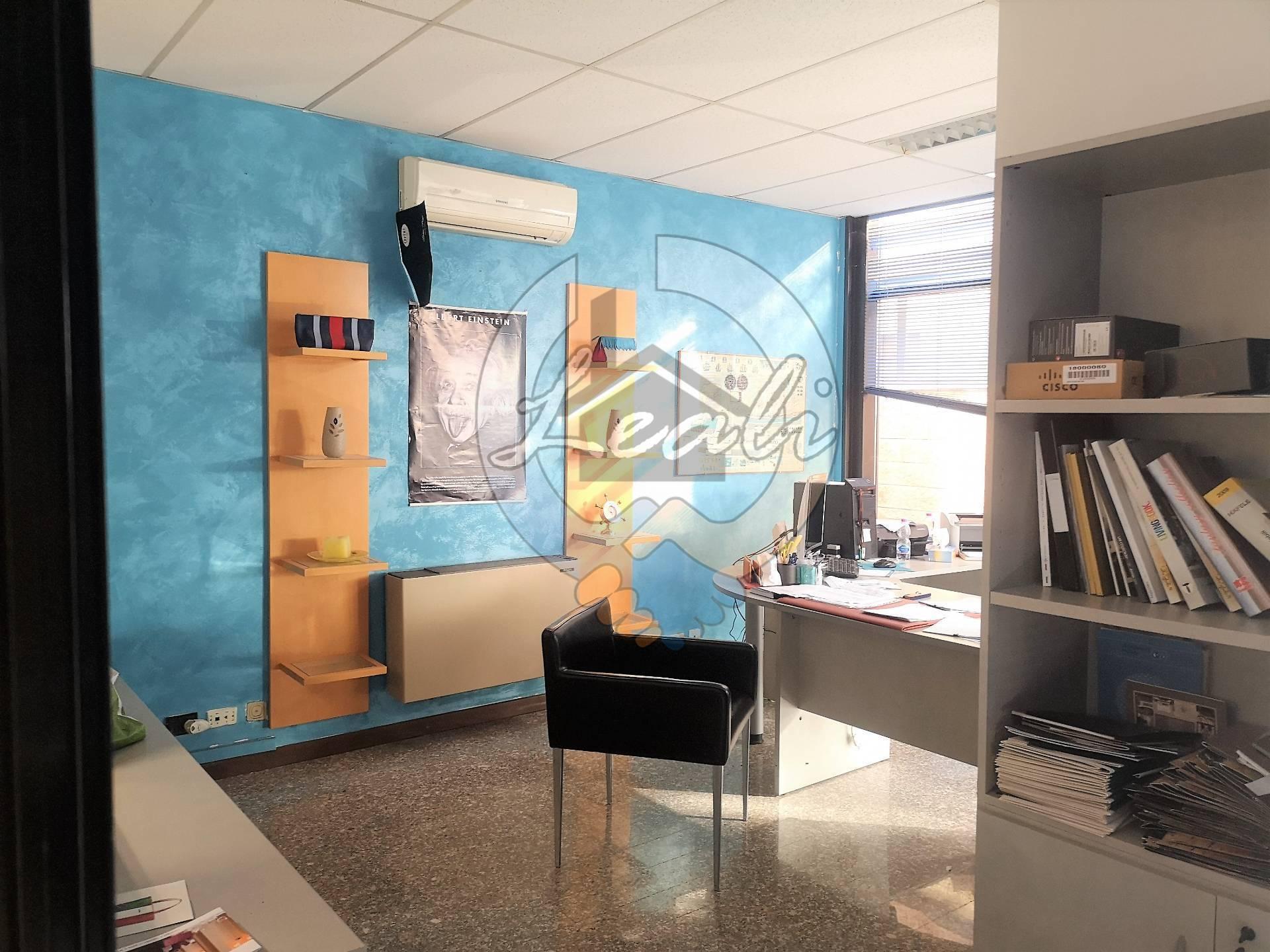 A Tolentino Ufficio / Studio  in Affitto