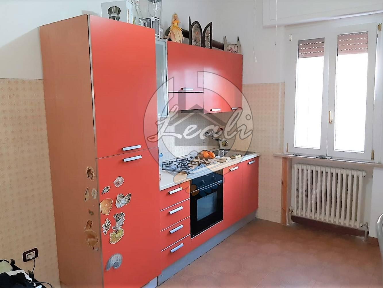 Appartamento in vendita a Civitanova Marche, 2 locali, prezzo € 78.000   CambioCasa.it