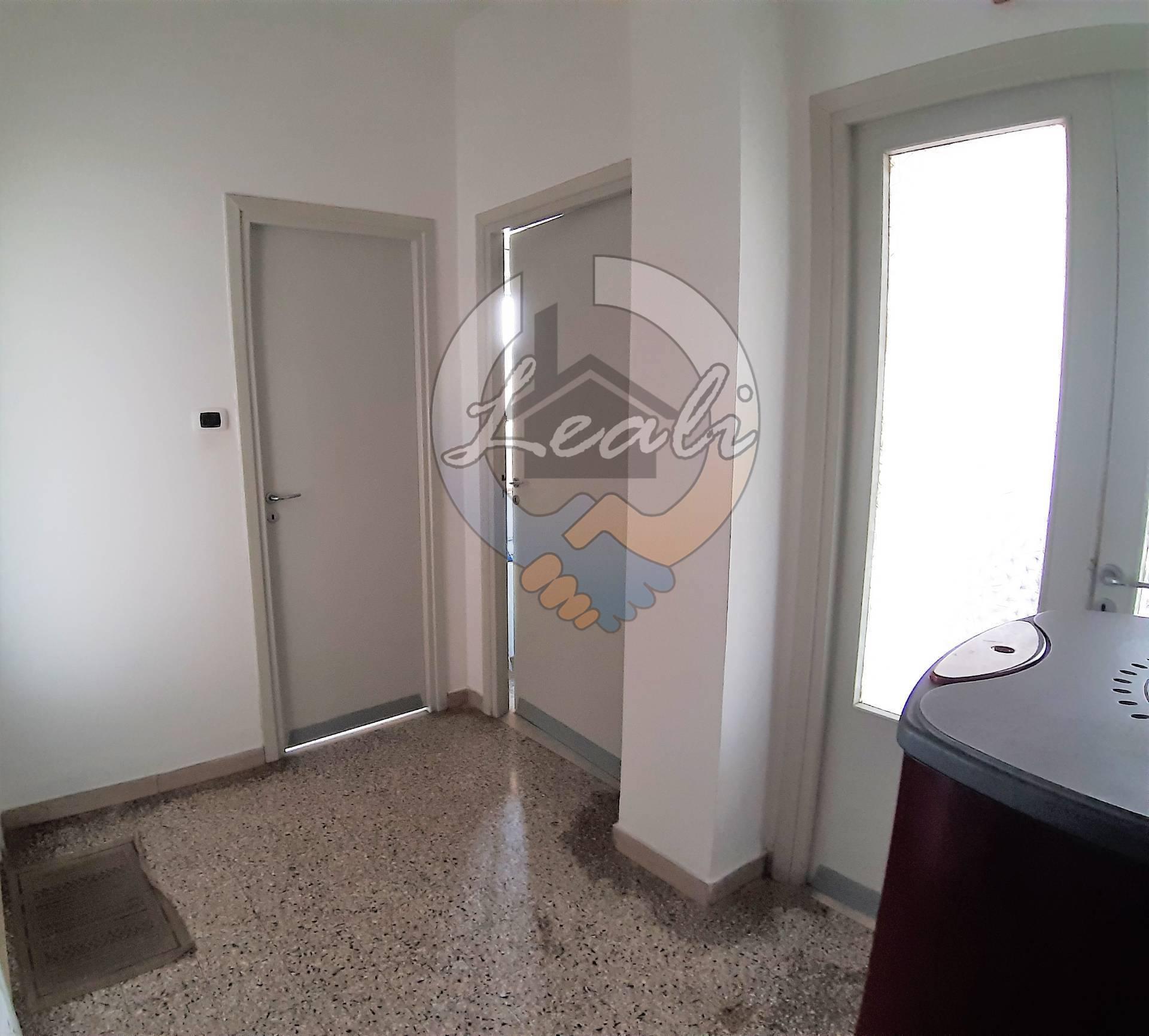 Appartamento in vendita a Tolentino, 4 locali, prezzo € 49.000 | CambioCasa.it