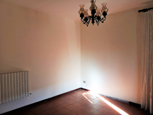 Single House for Sale to Urbisaglia