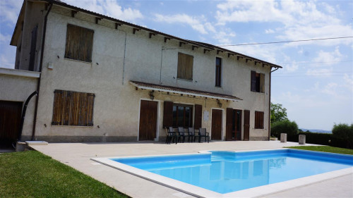 Villa for Sale to Urbisaglia