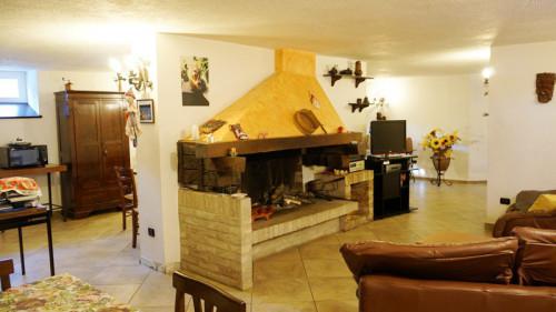 Villa in Vendita a Pollenza