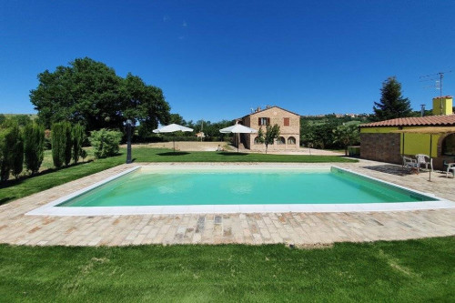 Villa for Sale to Urbisaglia