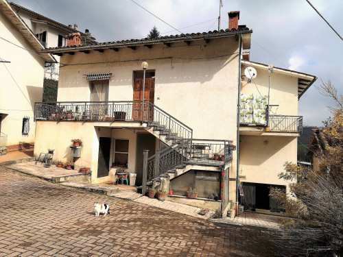 Single House for Sale to San Ginesio
