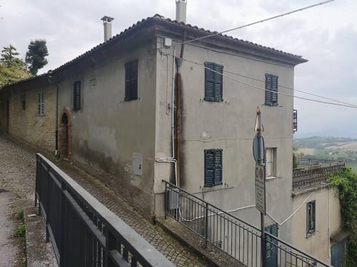 CASA CIELO/TERRA in Vendita a Montegiorgio