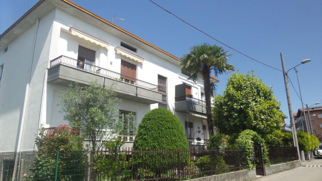 Appartamento in vendita a Solbiate Arno, 3 locali, zona Zona: Monte, prezzo € 85.000   CambioCasa.it