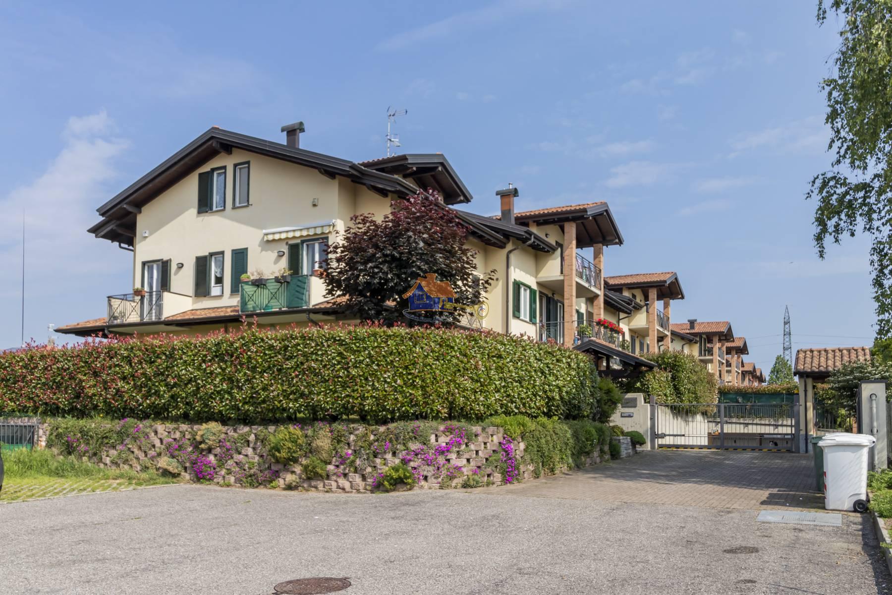 Appartamento in vendita a Castronno, 3 locali, prezzo € 180.000 | PortaleAgenzieImmobiliari.it