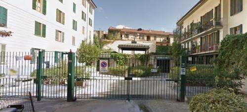 Posto auto coperto in Affitto a Milano