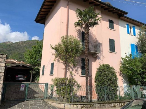 Villa in Vendita a Baveno