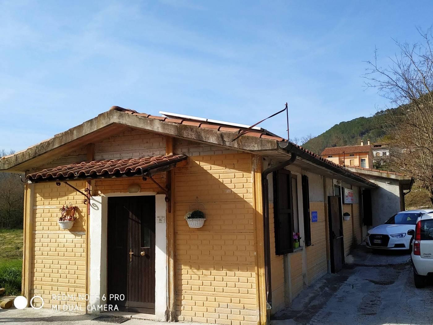 Azienda agrituristica in vendita a Genga (AN)