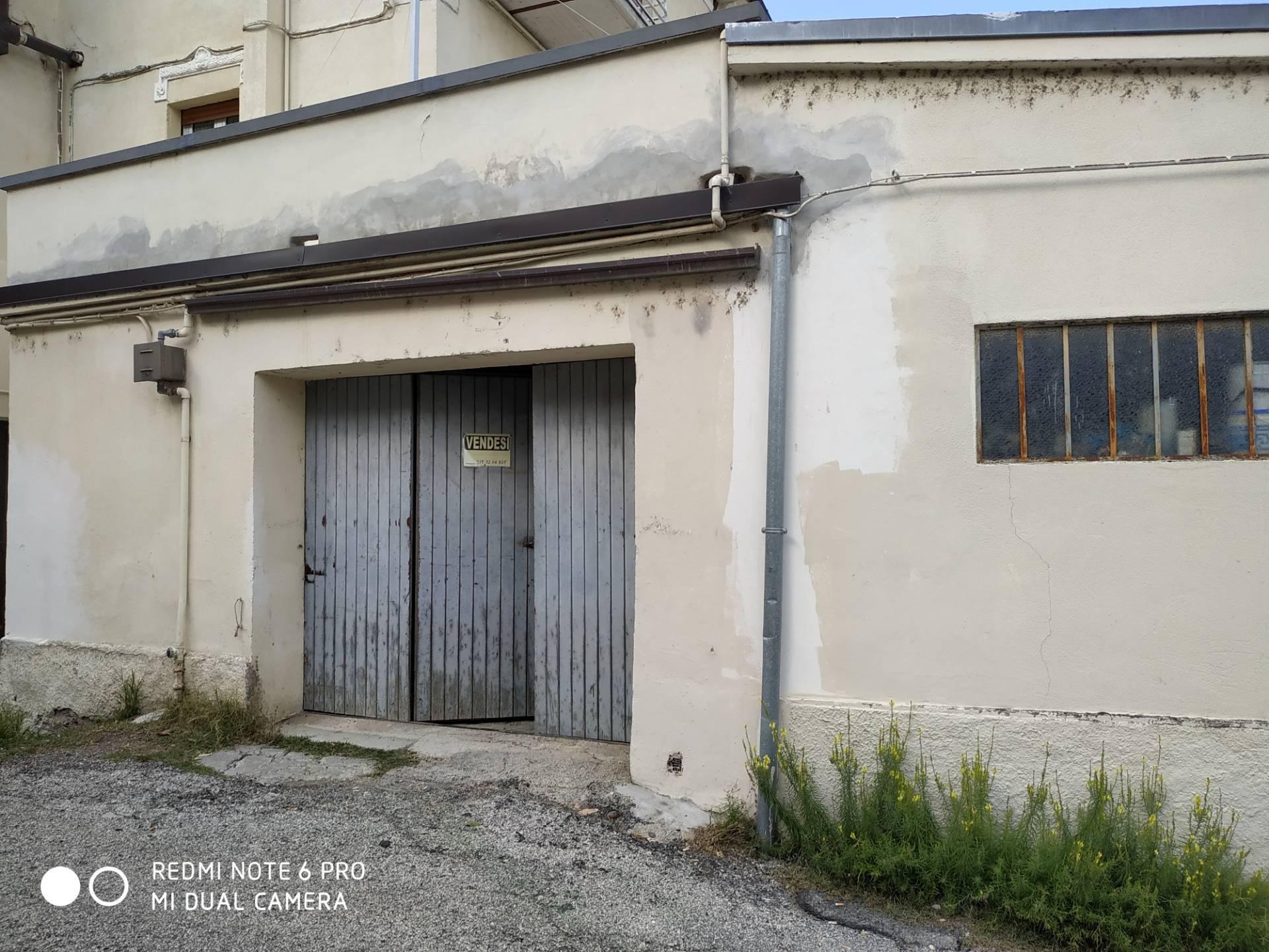 Magazzino in vendita a Fabriano (AN)