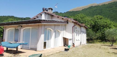 Casa singola in Vendita a Sassoferrato