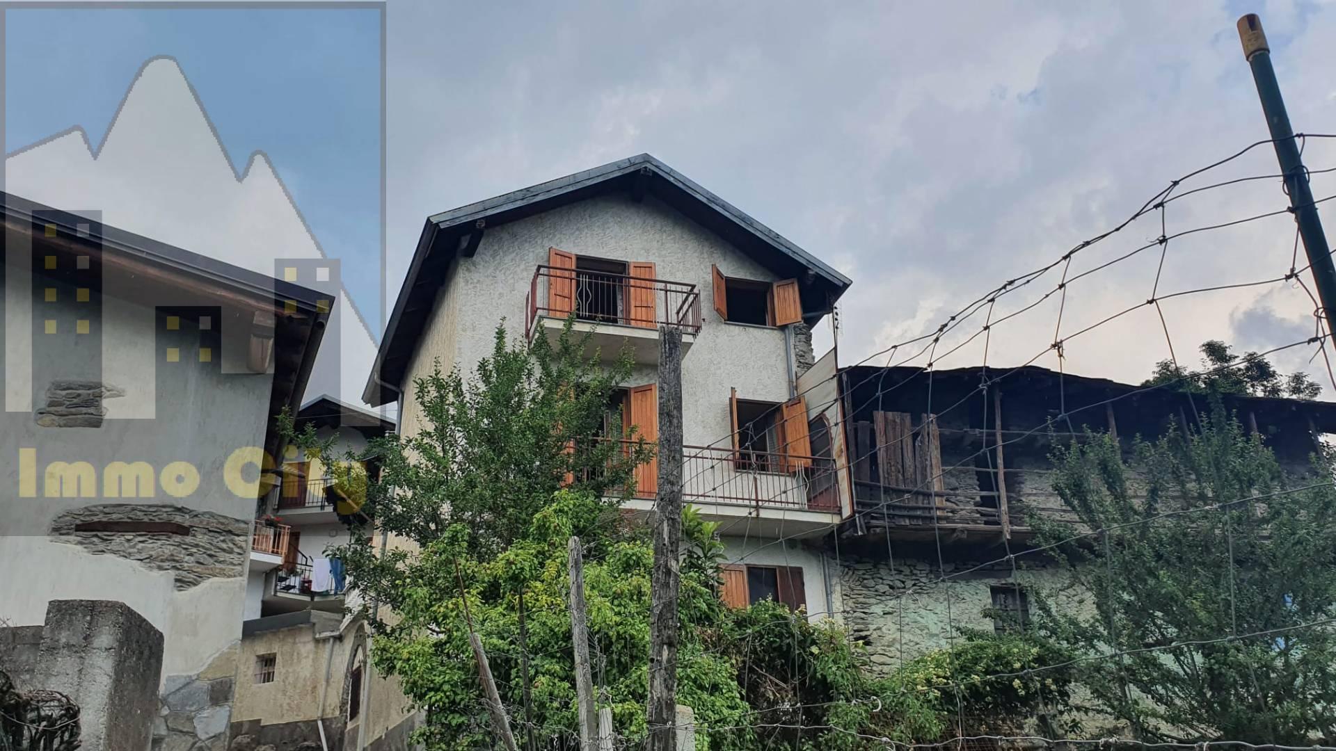 Palazzo / Stabile in vendita a Giaglione, 5 locali, zona Località: SanLorenzo(Plan, prezzo € 48.000 | CambioCasa.it