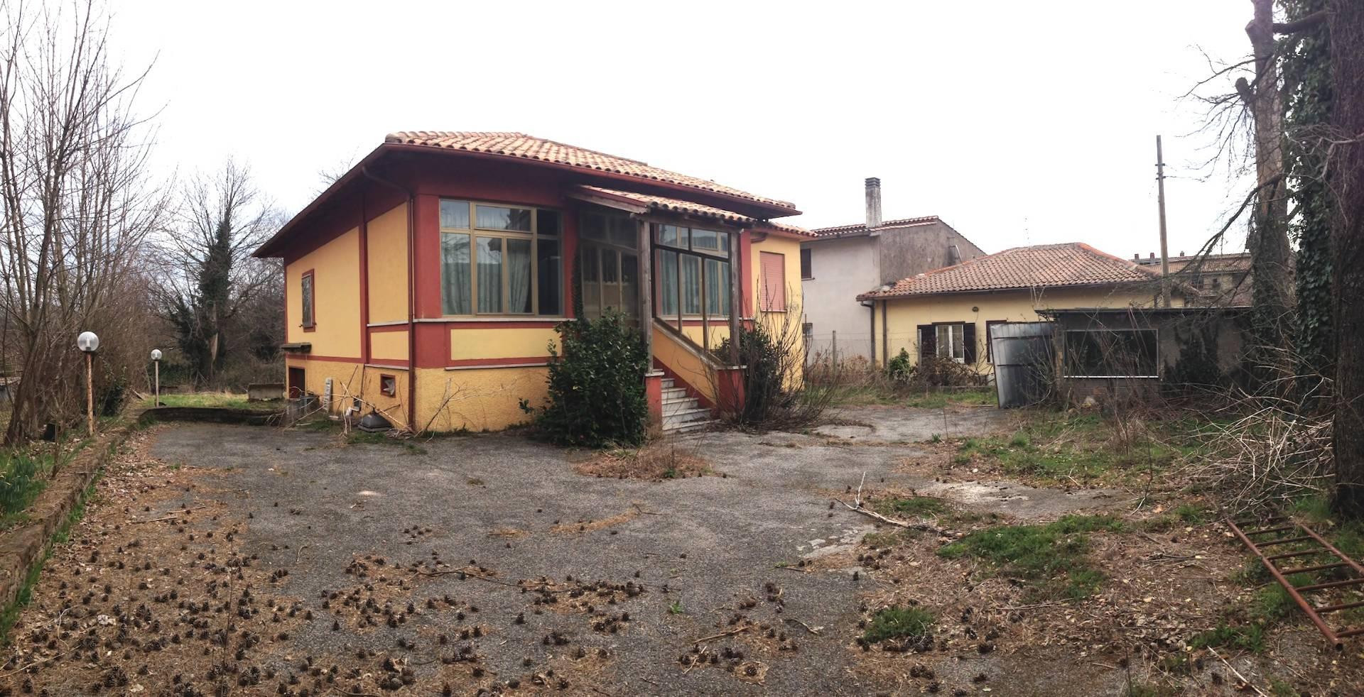 Villa in vendita a Rocca di Papa, 3 locali, zona Zona: Vivaro, prezzo € 99.000   CambioCasa.it