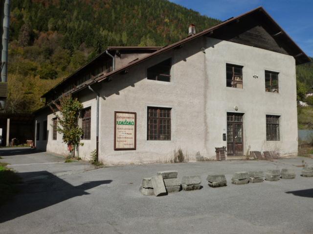 Capannone in vendita a Spiazzo, 9999 locali, zona Zona: Borzago, prezzo € 330.000   CambioCasa.it