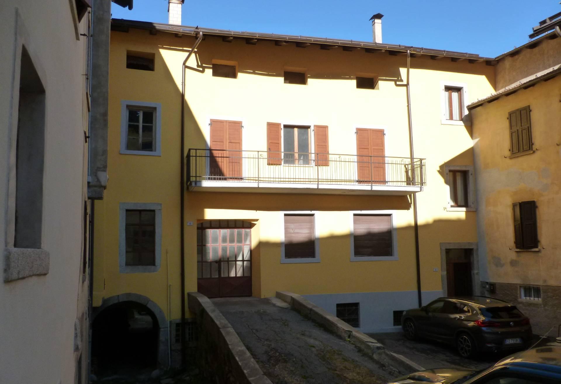 Appartamento in vendita a Tione di Trento, 4 locali, prezzo € 148.000 | CambioCasa.it