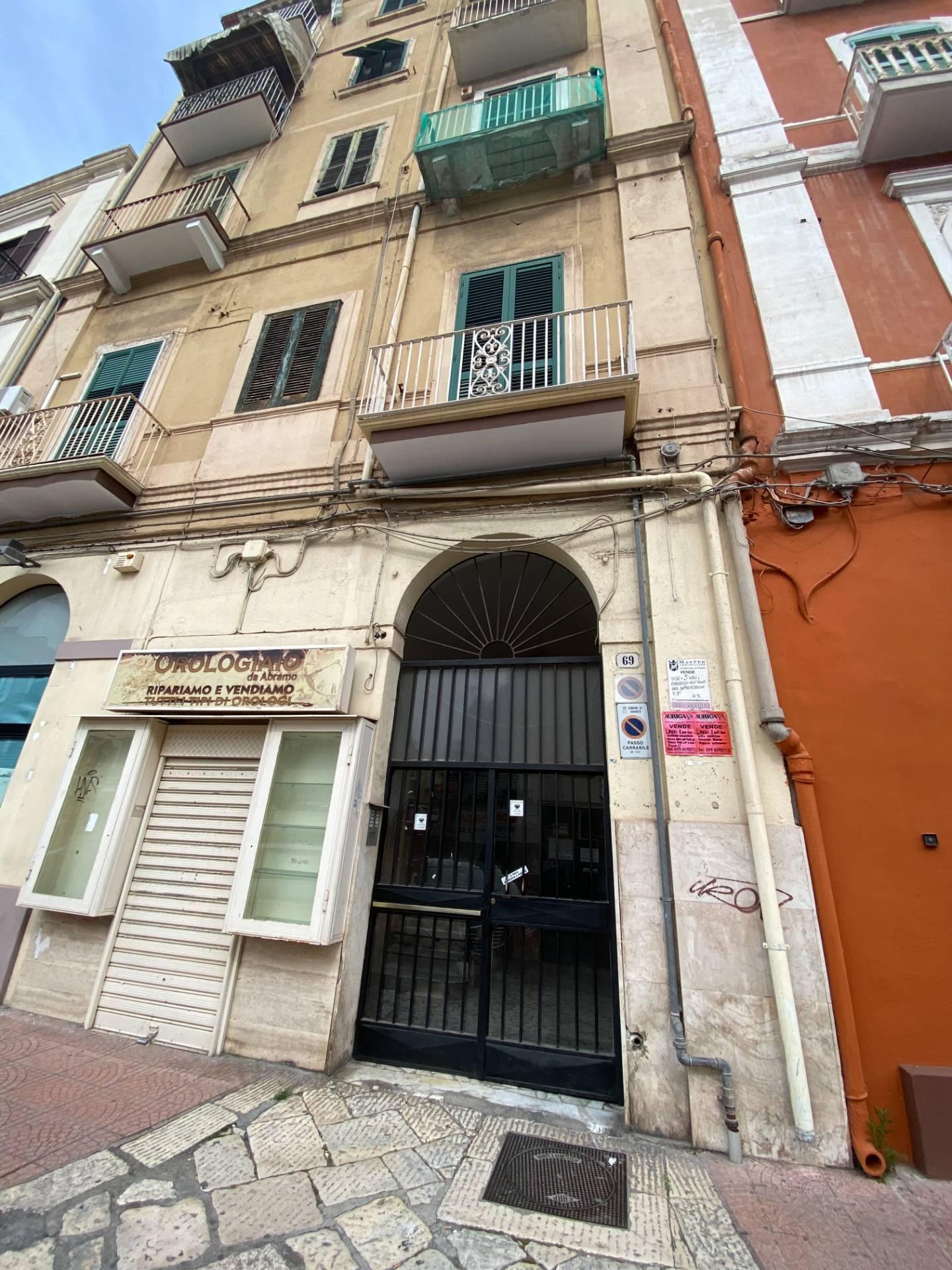 Appartamento in affitto a Taranto, 2 locali, zona Zona: Borgo, prezzo € 450 | CambioCasa.it