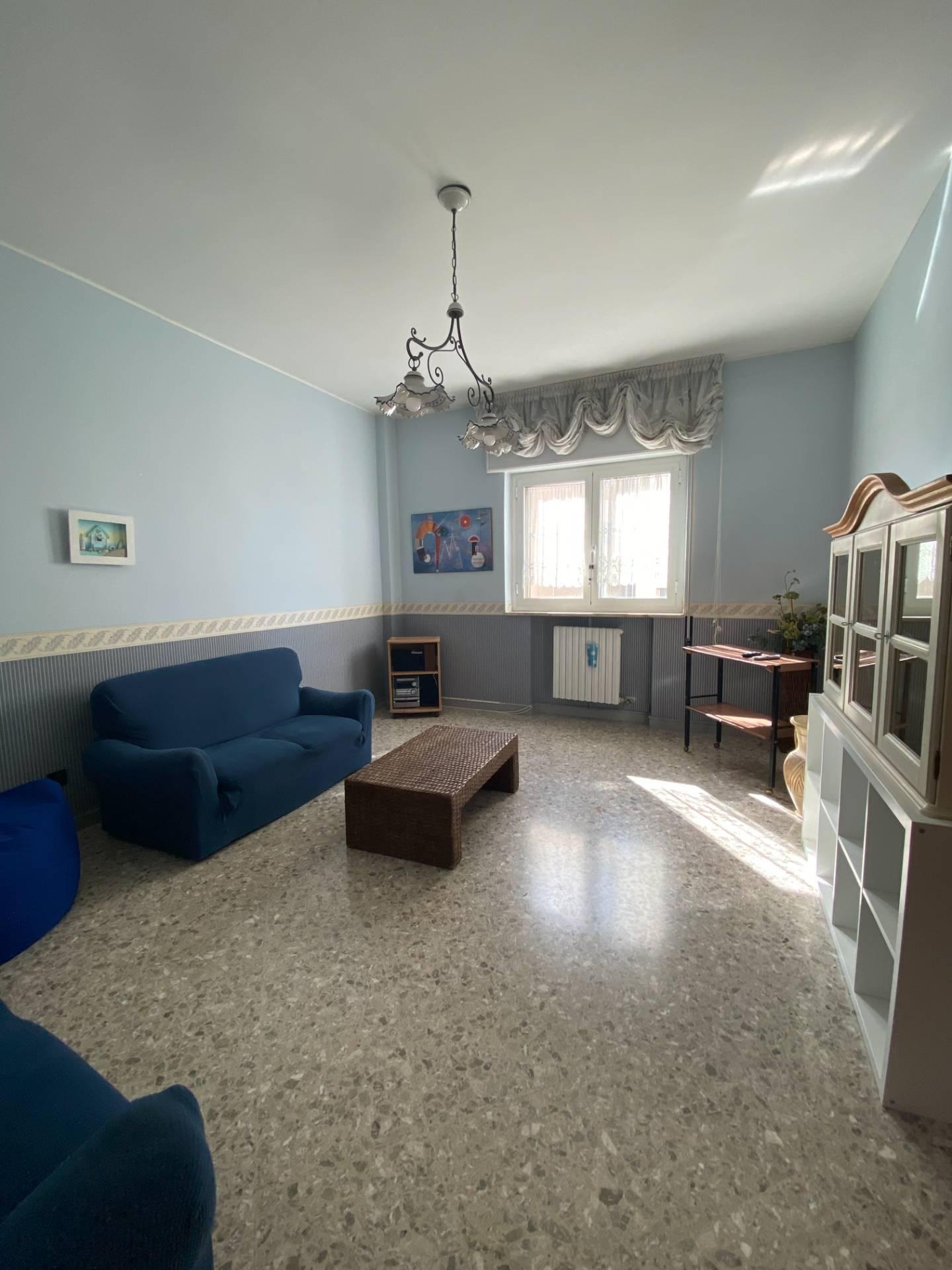 Appartamento in affitto a Taranto, 3 locali, zona Località: Italia, prezzo € 600   CambioCasa.it