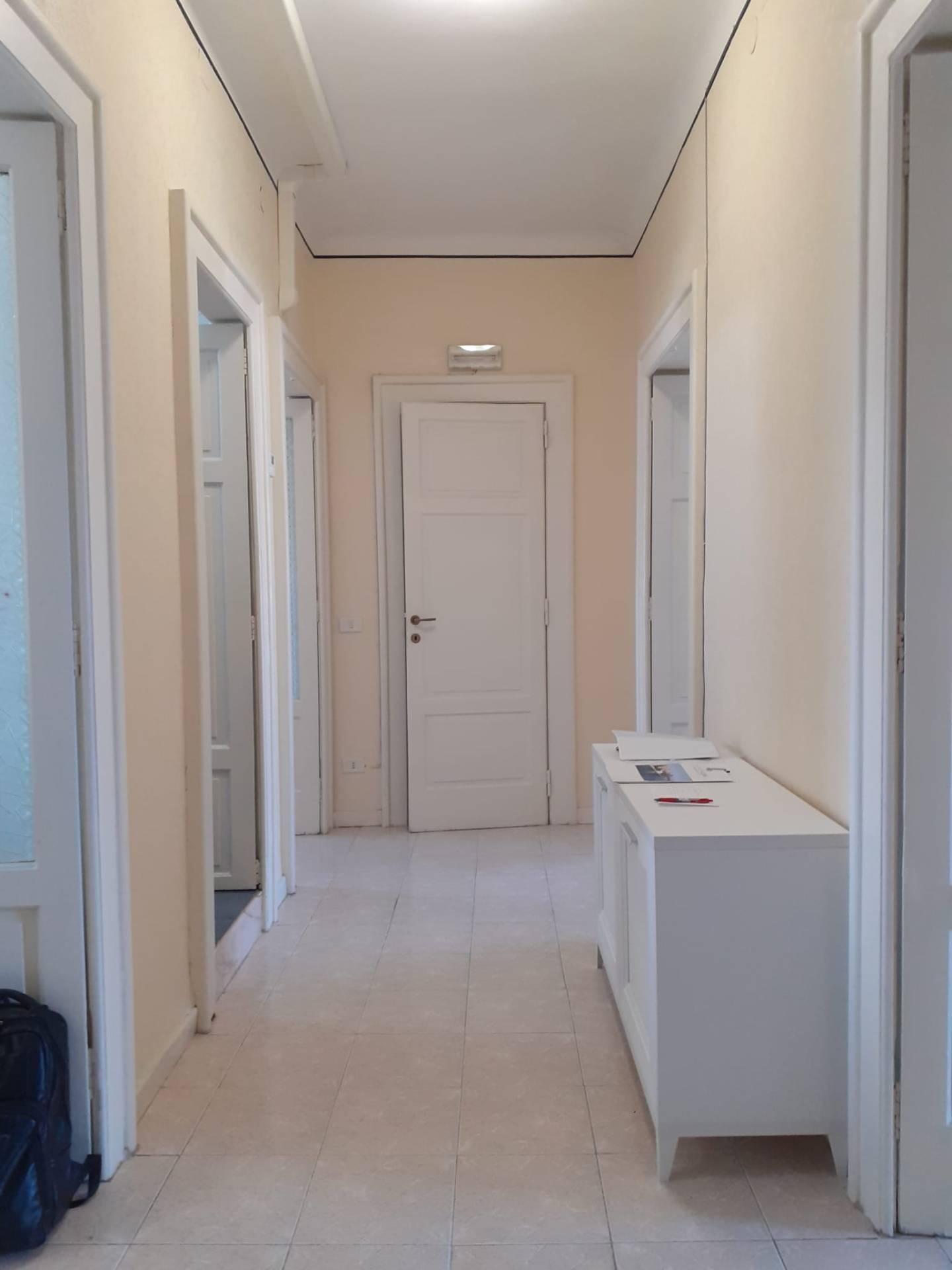 Appartamento in affitto a Taranto, 3 locali, zona Zona: Borgo, prezzo € 350   CambioCasa.it