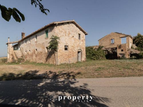 Farmhouse for Sale in Monteprandone