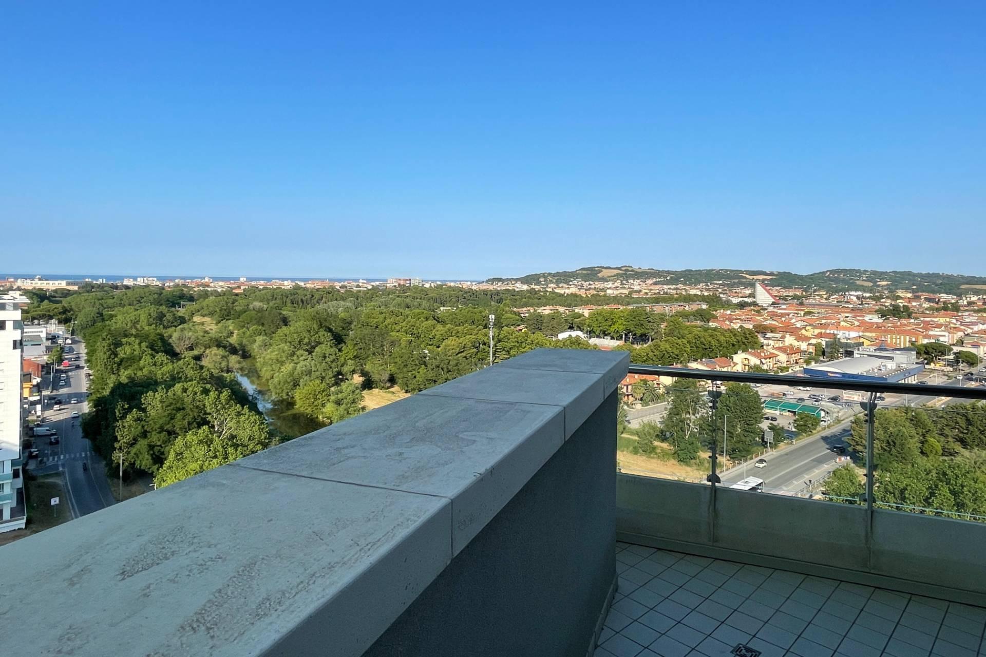 Attico / Mansarda in vendita a Pesaro, 4 locali, zona accia, prezzo € 395.000 | PortaleAgenzieImmobiliari.it