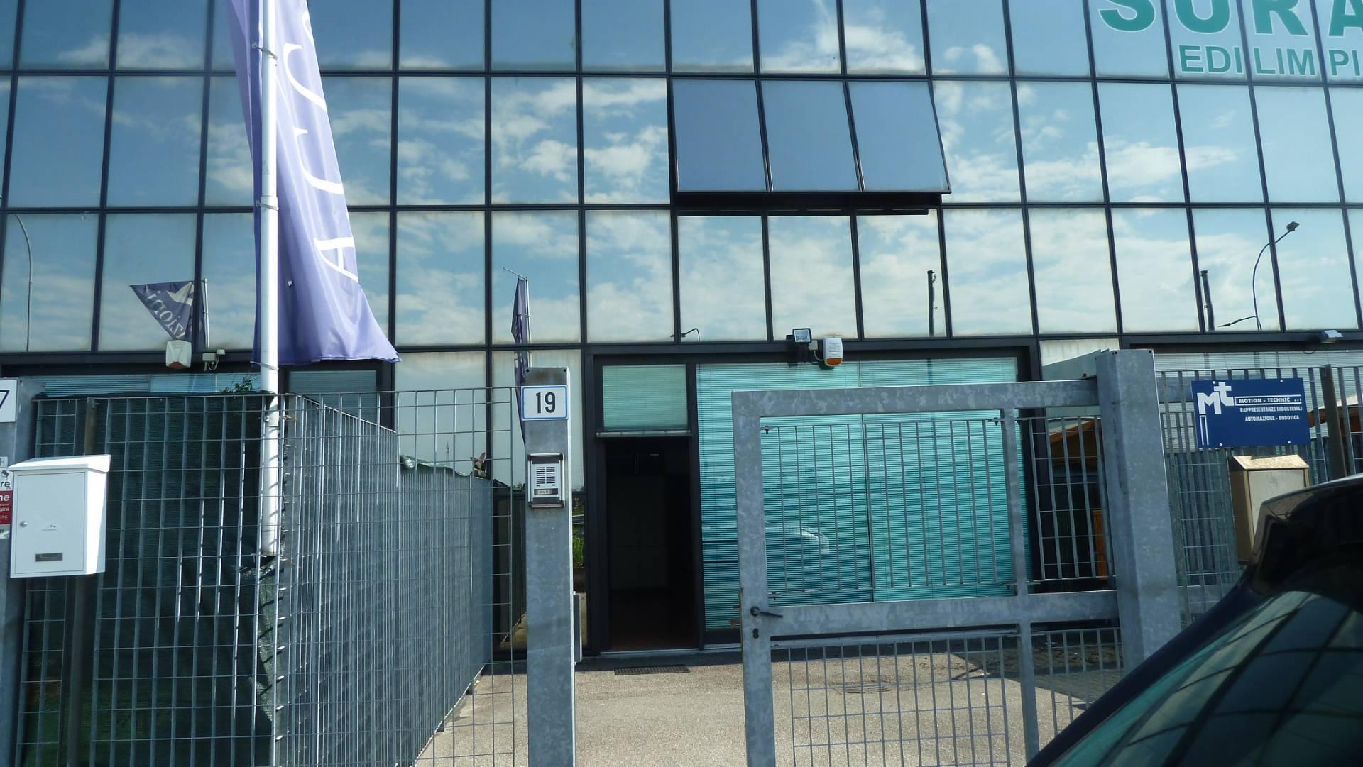 Laboratorio in affitto a Vignate, 9999 locali, prezzo € 1.100 | PortaleAgenzieImmobiliari.it