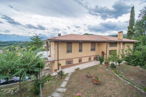 Villa in Vendita a Torricella Sicura