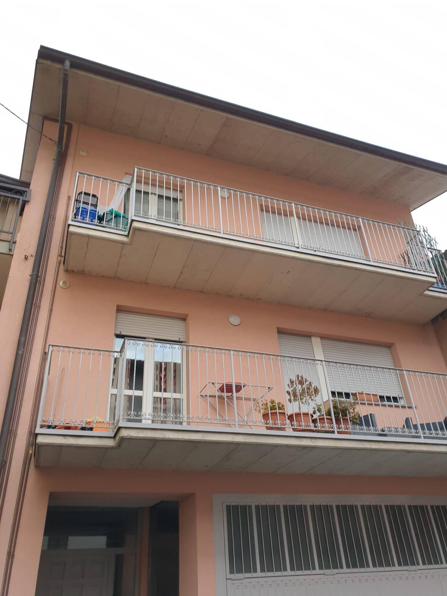 Appartamento in affitto a Zogno, 2 locali, zona Zona: Ambria, prezzo € 5.400 | CambioCasa.it