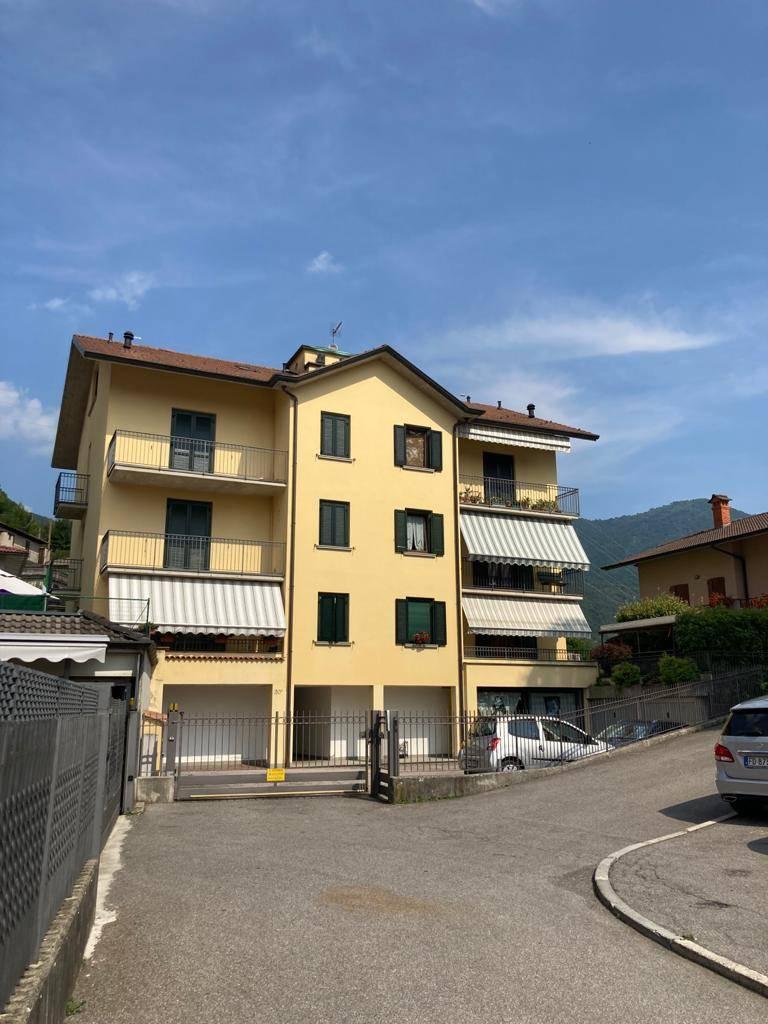 Appartamento in affitto a Zogno, 3 locali, zona Zona: Endenna, prezzo € 400 | CambioCasa.it