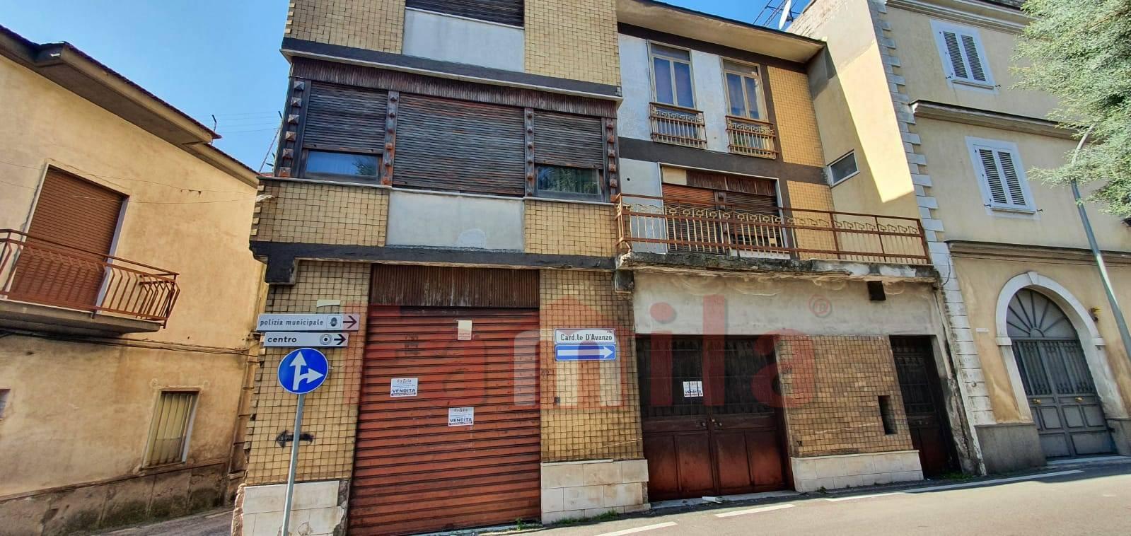 Soluzione Indipendente in vendita a Avella, 7 locali, prezzo € 168.000   CambioCasa.it