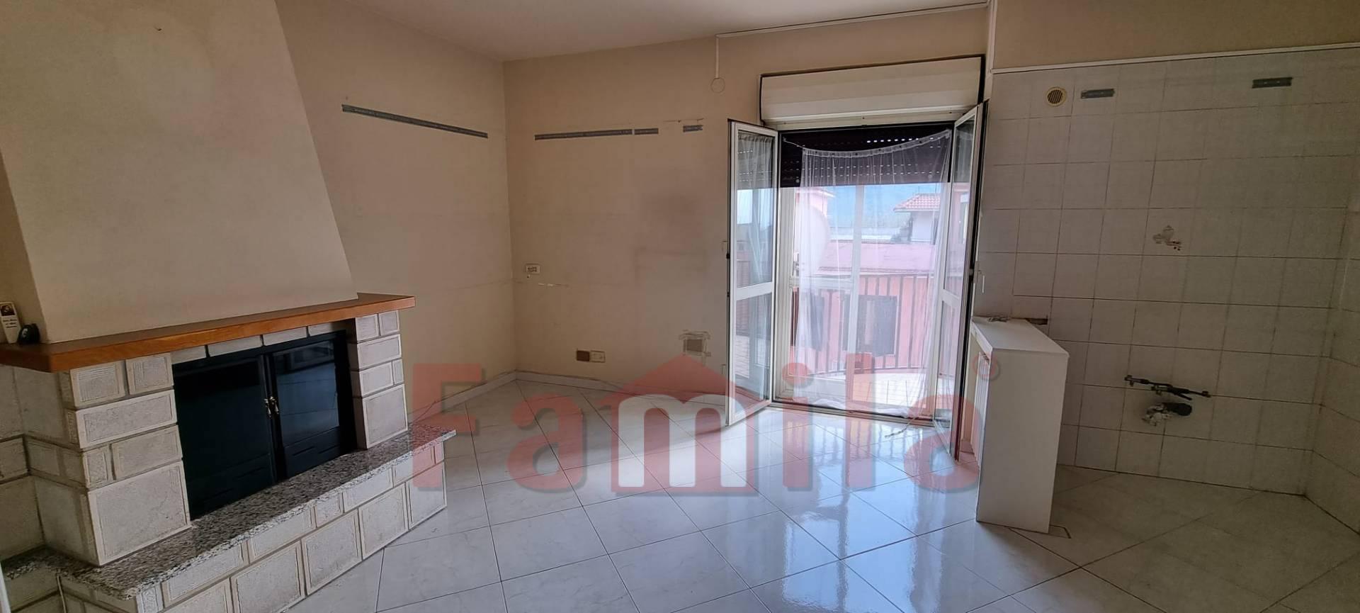 Appartamento in vendita a Sirignano, 4 locali, prezzo € 115.000   CambioCasa.it