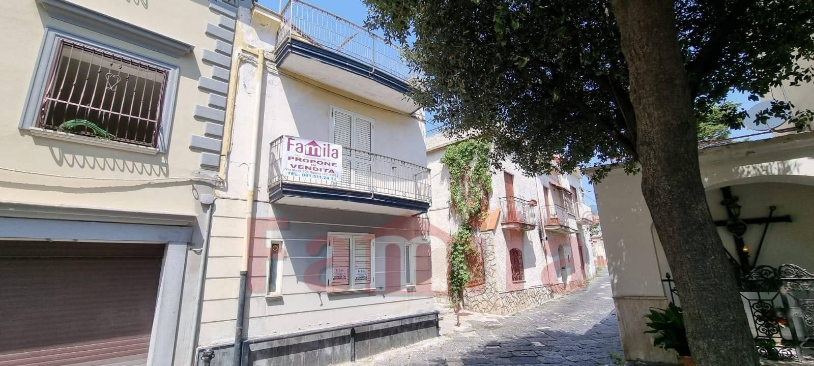 Soluzione Indipendente in vendita a Avella, 5 locali, prezzo € 125.000   CambioCasa.it