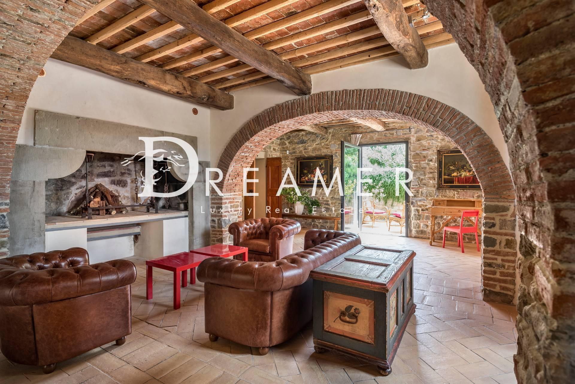 Villa in affitto a Bagno a Ripoli, 12 locali, prezzo € 5.500 | CambioCasa.it