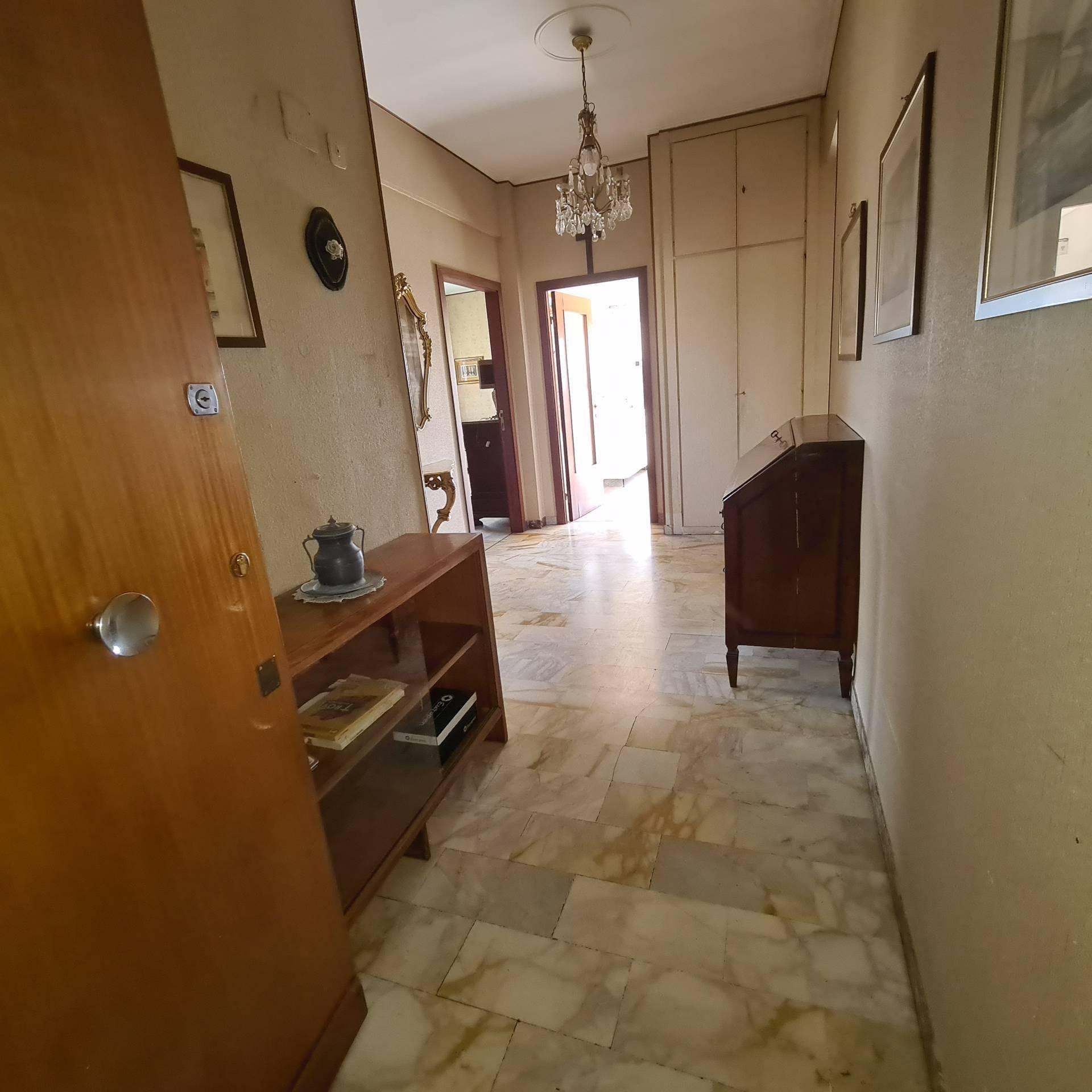 Attico / Mansarda in vendita a Chiavari, 6 locali, prezzo € 350.000 | PortaleAgenzieImmobiliari.it