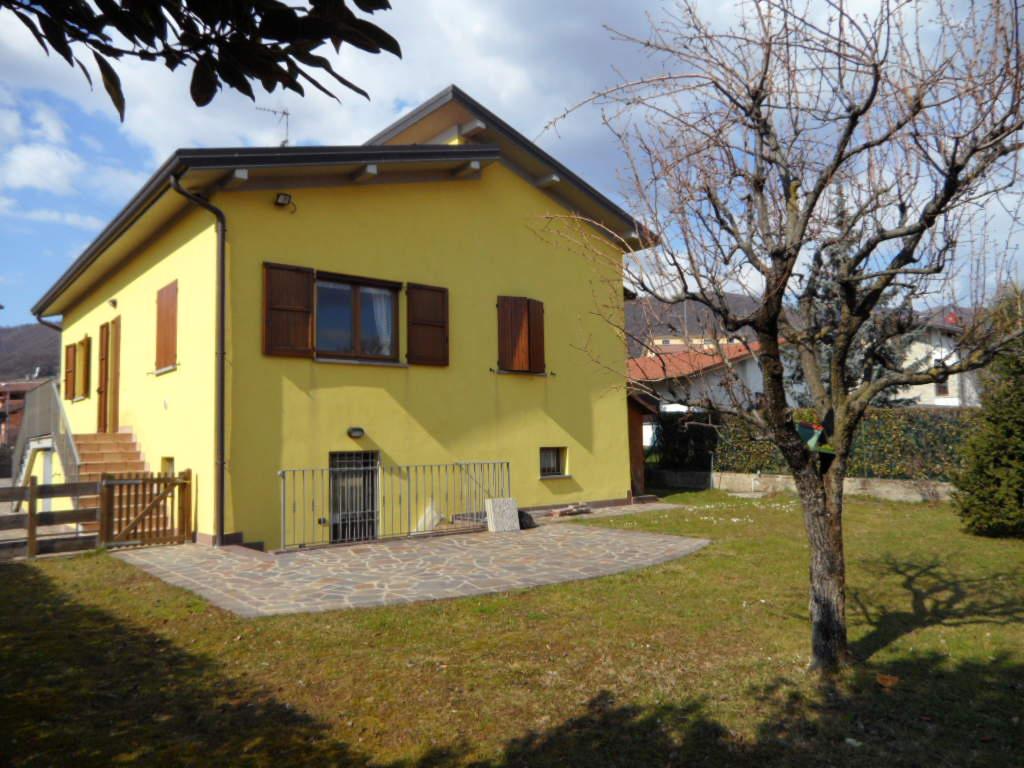Villa in vendita a Ranica, 4 locali, prezzo € 550.000 | PortaleAgenzieImmobiliari.it