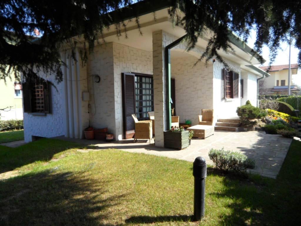 Villa in vendita a Seriate, 4 locali, prezzo € 460.000 | PortaleAgenzieImmobiliari.it