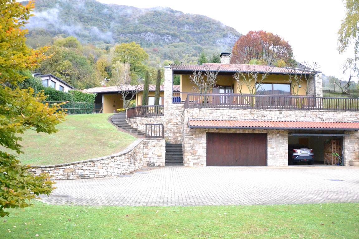Villa in vendita a Albino, 6 locali, Trattative riservate   PortaleAgenzieImmobiliari.it