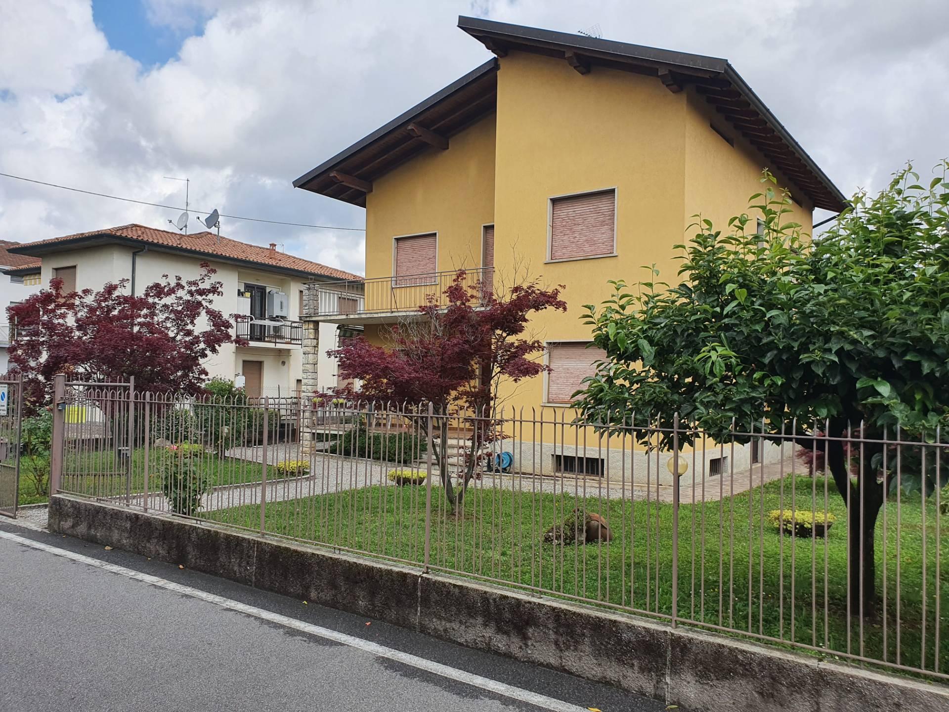 Villa Bifamiliare in vendita a Seriate, 6 locali, prezzo € 330.000 | PortaleAgenzieImmobiliari.it