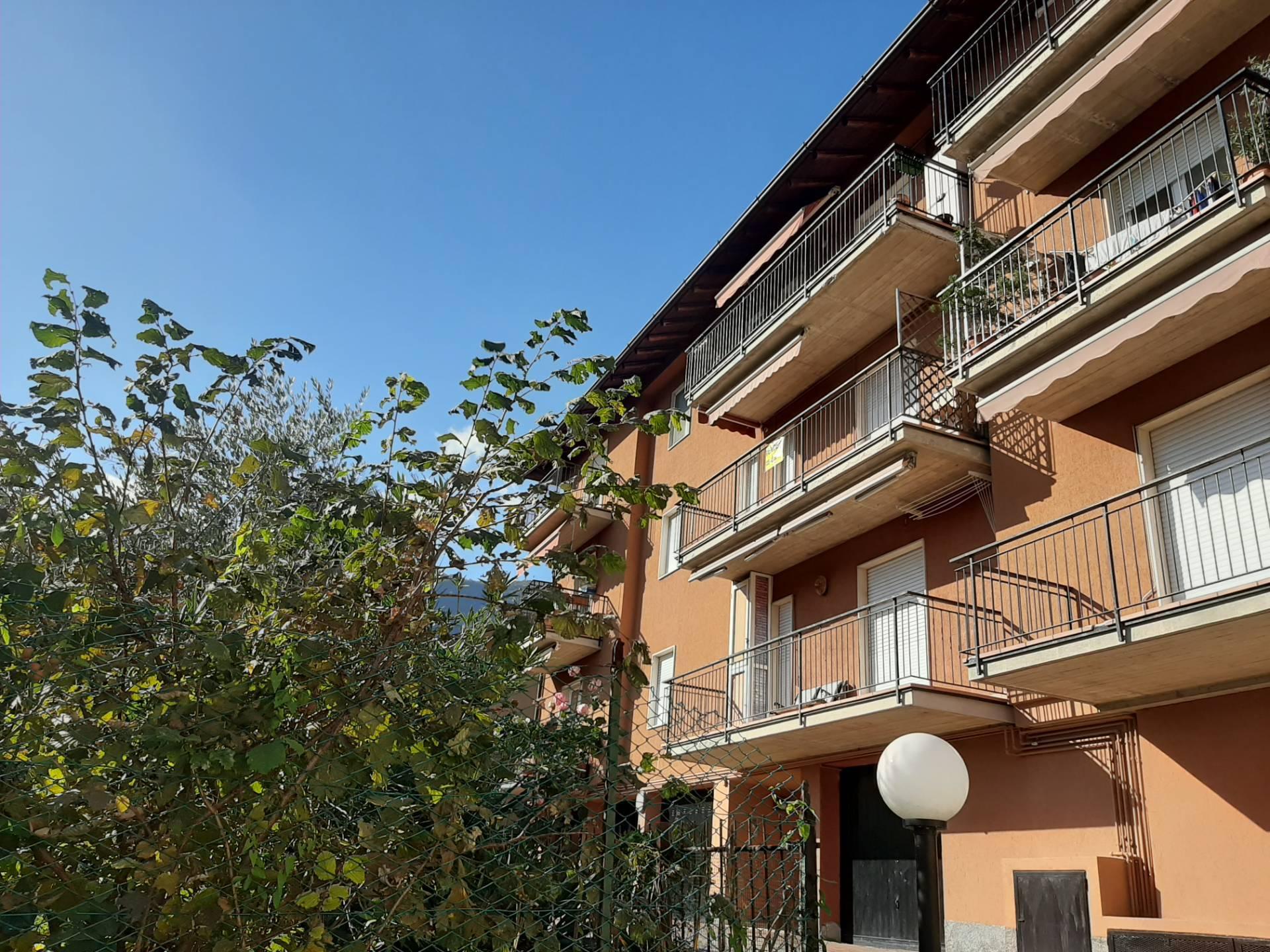 Appartamento in vendita a Albino, 2 locali, zona Località: BondoPetello, prezzo € 75.000   PortaleAgenzieImmobiliari.it