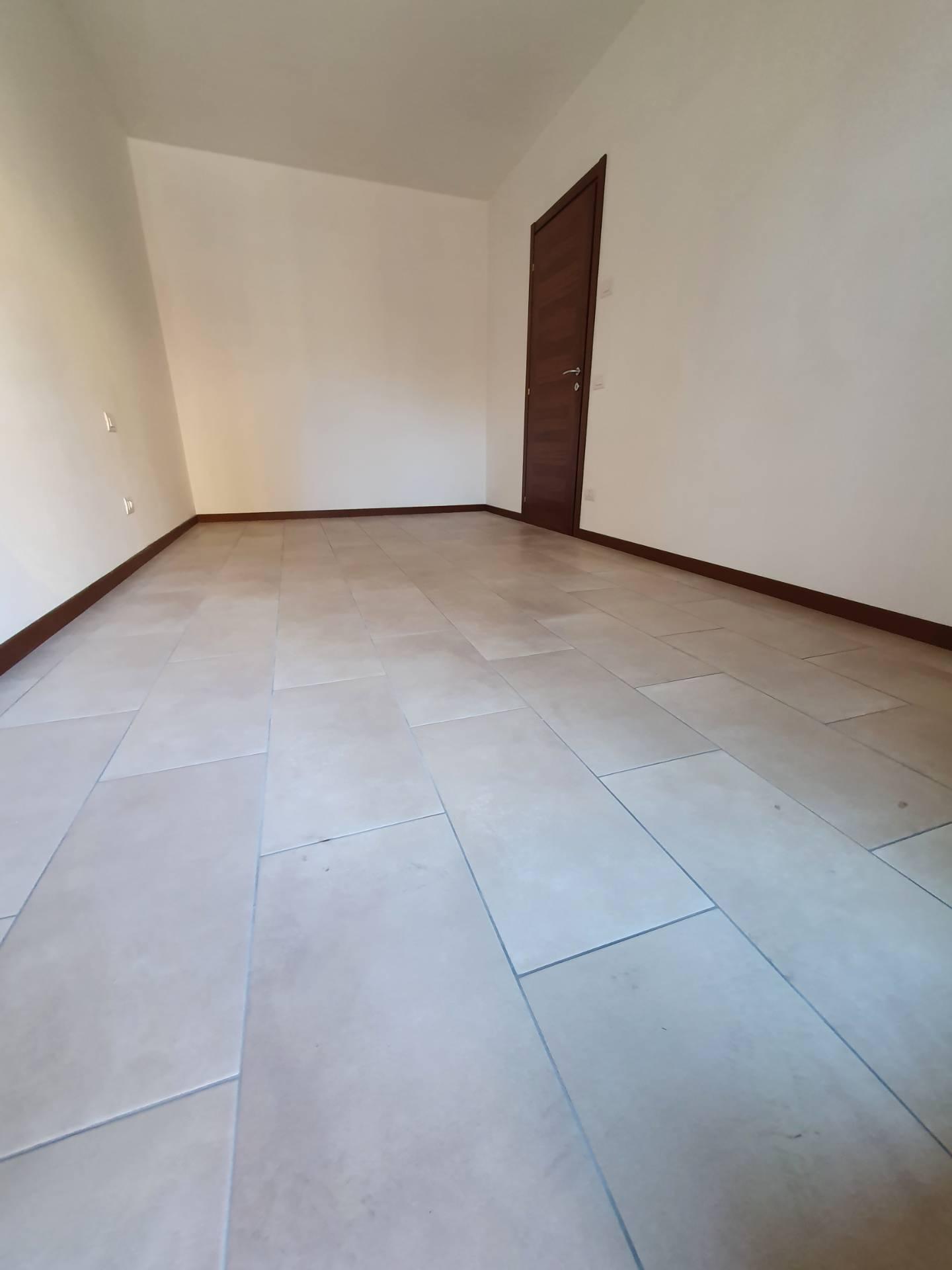 Appartamento in vendita a Scanzorosciate, 3 locali, prezzo € 160.000 | PortaleAgenzieImmobiliari.it